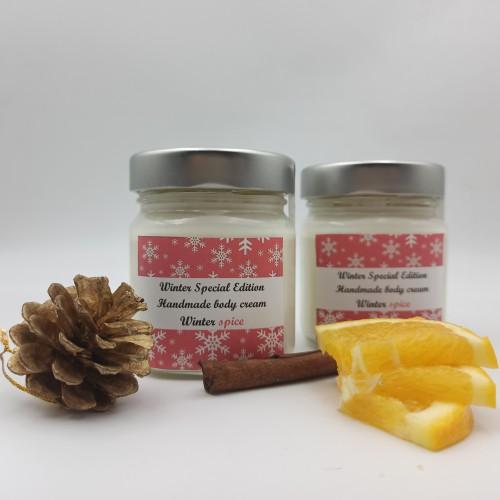 Ενυδατική και αρωματική κρέμα σώματος με άρωμα Winter Spice - Limited Edition!