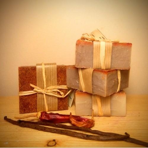 Ενυδατικό και αρωματικό σαπούνι με βανίλια και πιπέρι